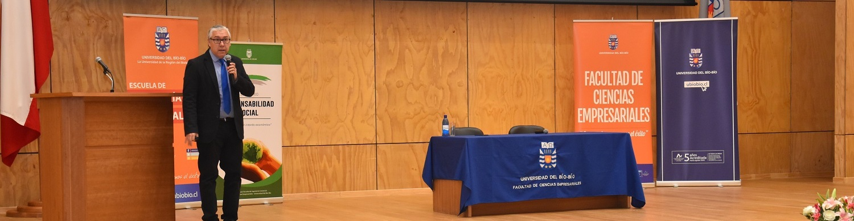 Ingeniería Comercial realizó seminario sobre responsabilidad social empresarial